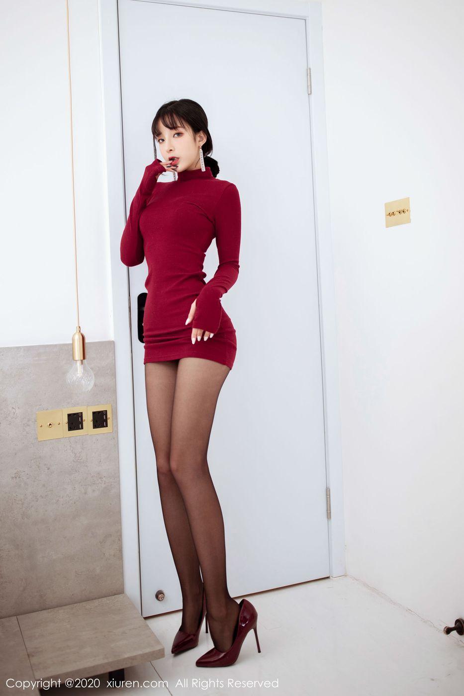 Vol.269 高跟鞋黑丝美腿翘臀内衣诱惑美女模特秀人网-陈小喵完整私房照合集