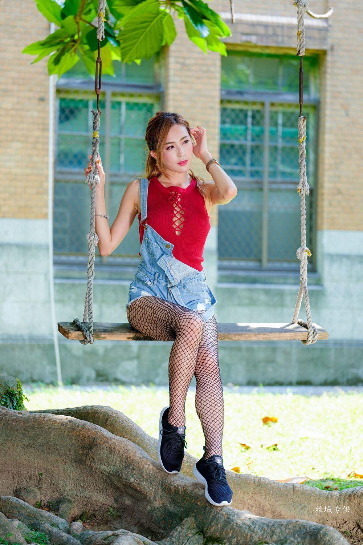 Vol.863 黑丝美腿热裤街拍美女美女模特台湾正妹-黄艾比完整私房照合集