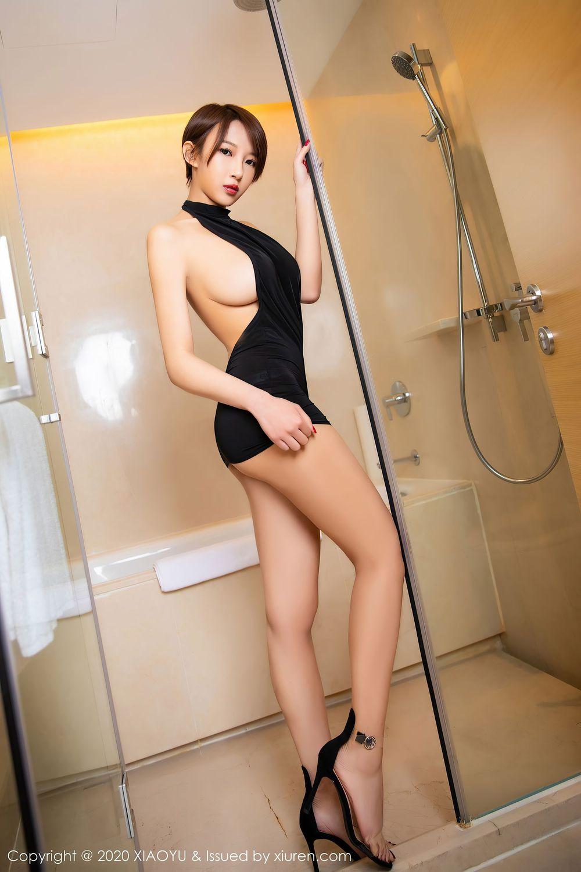 Vol.847 黑丝美腿吊袜浴室美女小蛮腰短发美女美女模特语画界-冯木木LRIS完整私房照合集