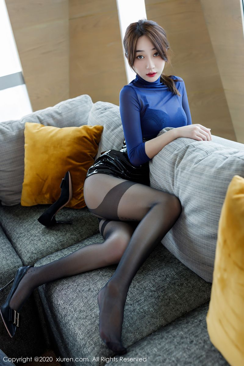 Vol.44 黑丝美腿翘臀内衣诱惑超短裙美女模特秀人网-九月生完整私房照合集