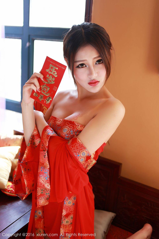 Vol.338 抹胸裙肚兜丁字裤情趣制服美女模特秀人网-王乔恩Abby完整私房照合集
