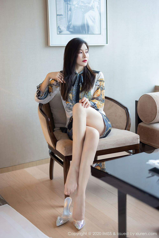 Vol.349 丝袜美腿都市丽人气质美女内衣诱惑小蛮腰爱蜜社-Vanessa完整私房照合集