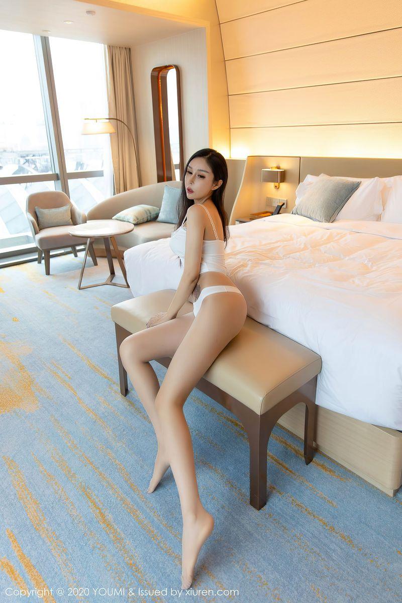 Vol.451 丝袜美腿高挑美女翘臀纹身美女嫩模美女模特尤蜜荟-田冰冰完整私房照合集