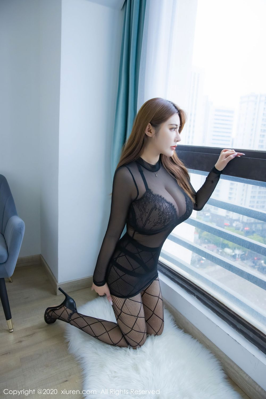 Vol.539 丝袜美腿透视装大胸美女内衣诱惑美女模特秀人网-软软Roro完整私房照合集