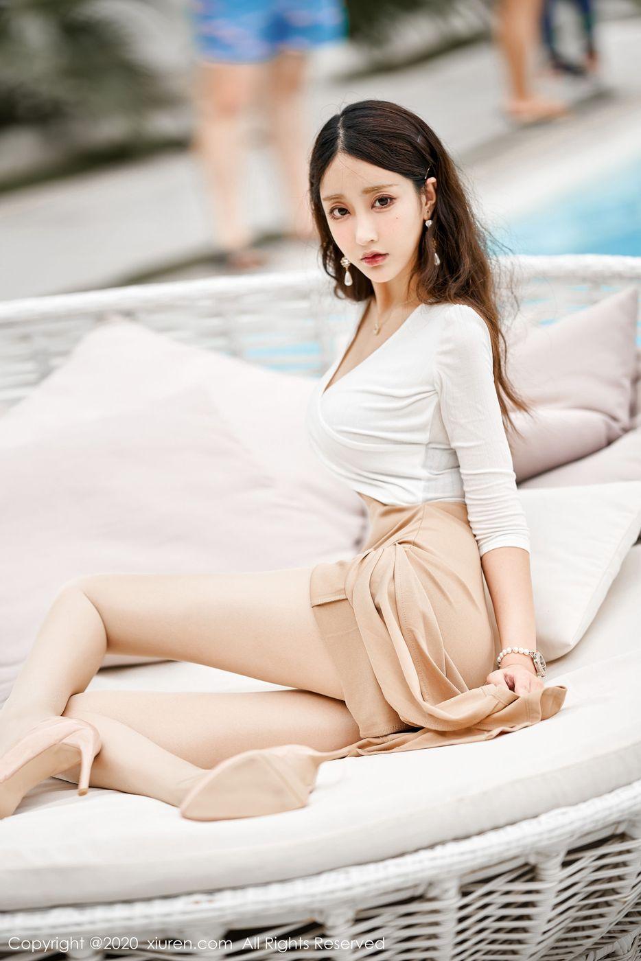 Vol.861 翘臀长裙美女丝袜美腿内衣诱惑美女模特秀人网-林子欣完整私房照合集