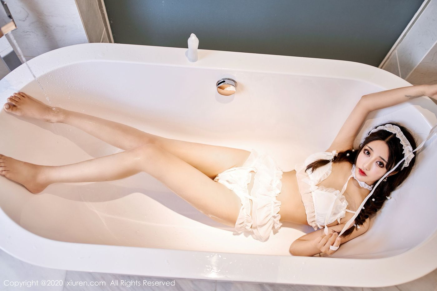 Vol.734 浴室美女湿身诱惑翘臀内衣诱惑美胸美女模特秀人网-林子欣完整私房照合集