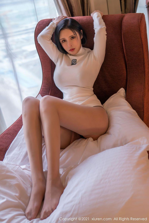 Vol.595 波涛胸涌内衣诱惑丝袜美腿大胸美女嫩模秀人网-韩姗姗完整私房照合集