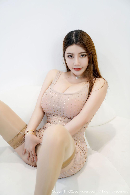 Vol.274 吊裙丝袜美腿大胸美女爆乳美女模特秀人网-软软Roro完整私房照合集