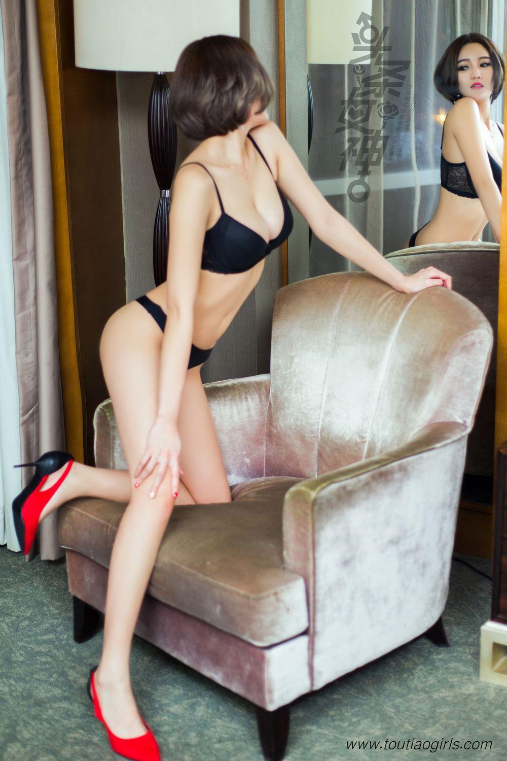 Vol.75 小蛮腰翘臀丁字裤内衣诱惑美女模特头条女神-文雪Cher完整私房照合集
