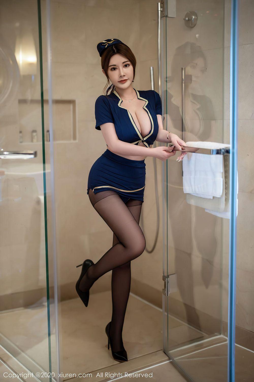 Vol.951 空姐黑丝美腿女王调教情趣制服大胸美女美女模特秀人网-软软Roro完整私房照合集