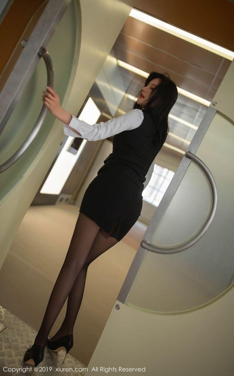 Vol.194 空姐制服诱惑黑丝美腿高跟鞋内衣诱惑性感美女秀人网-就是阿朱啊完整私房照合集