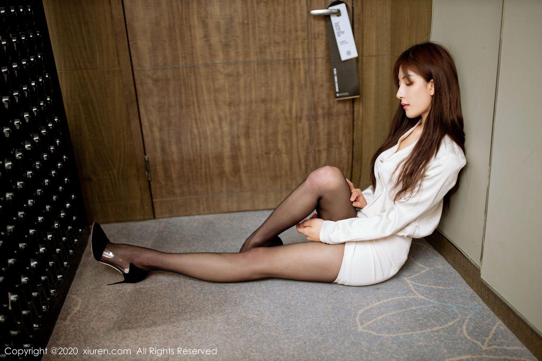 Vol.939 黑丝美腿职场OL女秘书翘臀内衣诱惑美女模特秀人网-林文文完整私房照合集