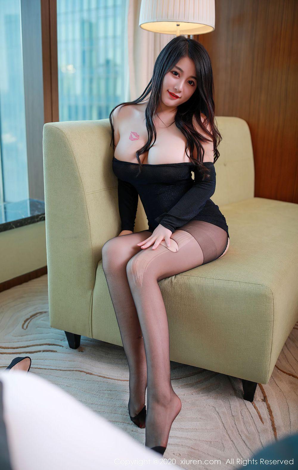 Vol.360 童颜巨乳血滴子黑丝美腿内衣诱惑美女模特秀人网-美七Mia完整私房照合集