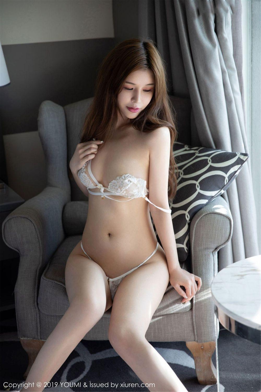 Vol.754 御姐丁字裤翘臀内衣诱惑美女模特尤蜜荟-纯小希完整私房照合集