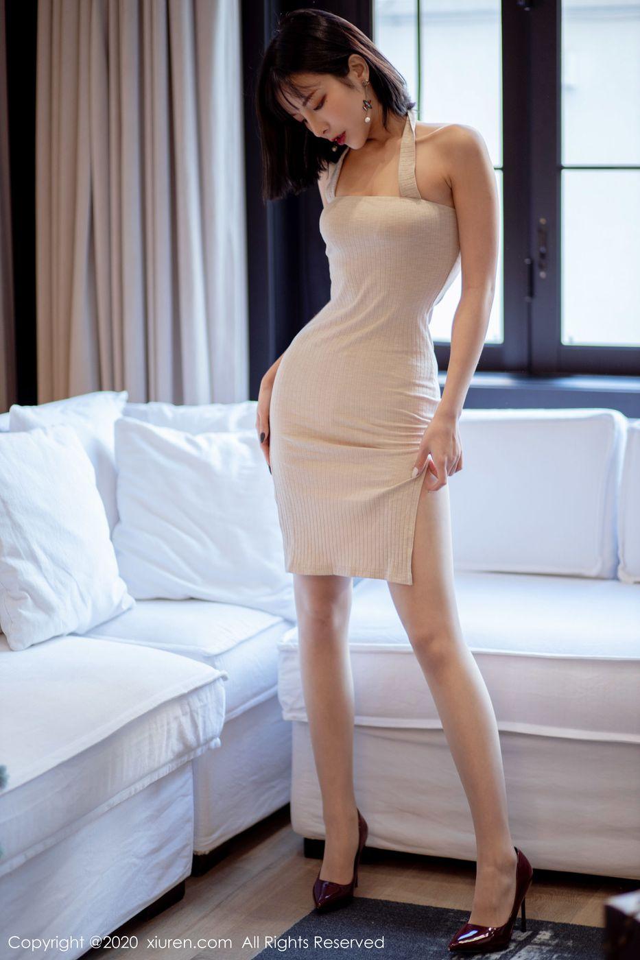 Vol.720 吊裙丝袜美腿高跟鞋翘臀美胸真空美女美女模特秀人网-陈小喵完整私房照合集